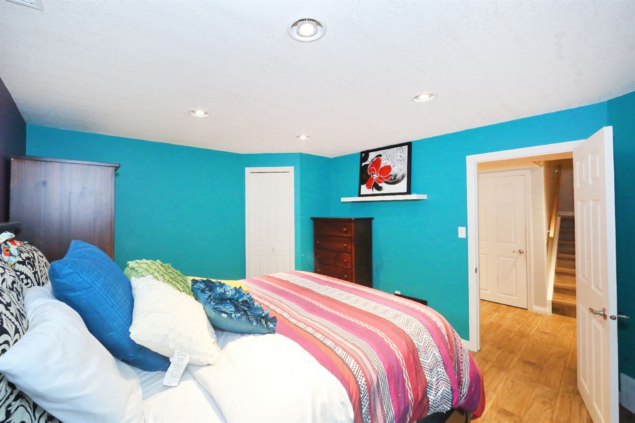 Spare bedroom on the lower level, a comfortable size with its own walk-in closet
