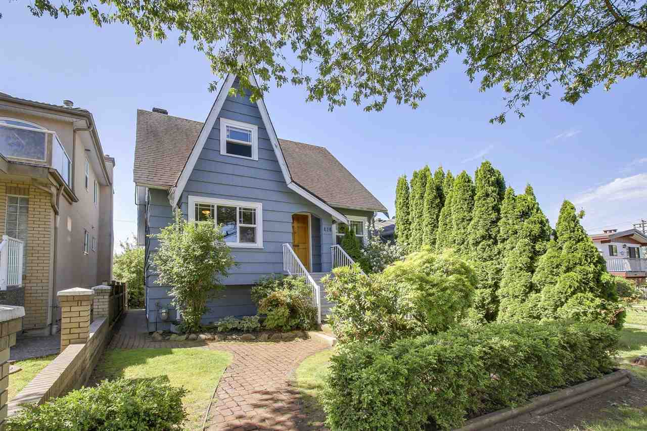 "Main Photo: 426 E 54TH Avenue in Vancouver: South Vancouver House for sale in ""SUNSET PARK"" (Vancouver East)  : MLS(r) # R2182424"
