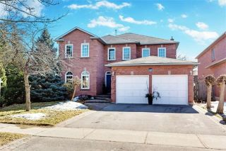 Main Photo: 37 Lofthouse Dr in Whitby: Rolling Acres Freehold for sale : MLS® # E4053705