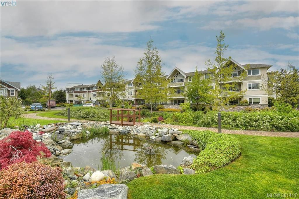 Main Photo: 201 537 Heatherdale Lane in VICTORIA: SW Royal Oak Condo Apartment for sale (Saanich West)  : MLS®# 391417