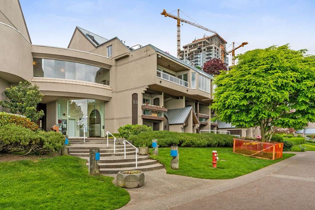 "Main Photo: 212 5 K DE K Court in New Westminster: Quay Condo for sale in ""Quayside Terrace"" : MLS®# R2278013"
