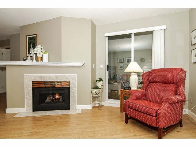 "Photo 4: 211 2960 PRINCESS Crescent in Coquitlam: Canyon Springs Condo for sale in ""JEFFERSON"" : MLS® # V1046778"