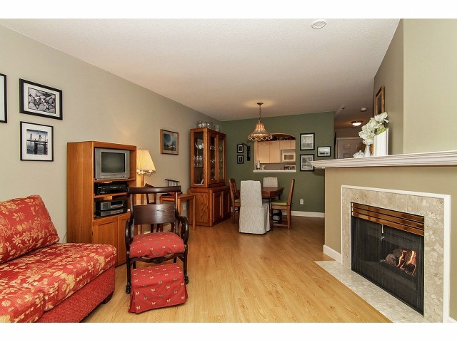 "Photo 5: 211 2960 PRINCESS Crescent in Coquitlam: Canyon Springs Condo for sale in ""JEFFERSON"" : MLS® # V1046778"