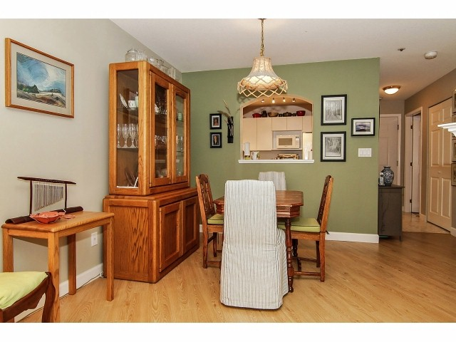 "Photo 6: 211 2960 PRINCESS Crescent in Coquitlam: Canyon Springs Condo for sale in ""JEFFERSON"" : MLS® # V1046778"