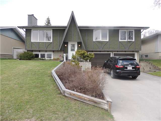 Main Photo: 4448 DALHART Road NW in CALGARY: Dalhousie Residential Detached Single Family for sale (Calgary)  : MLS(r) # C3615332