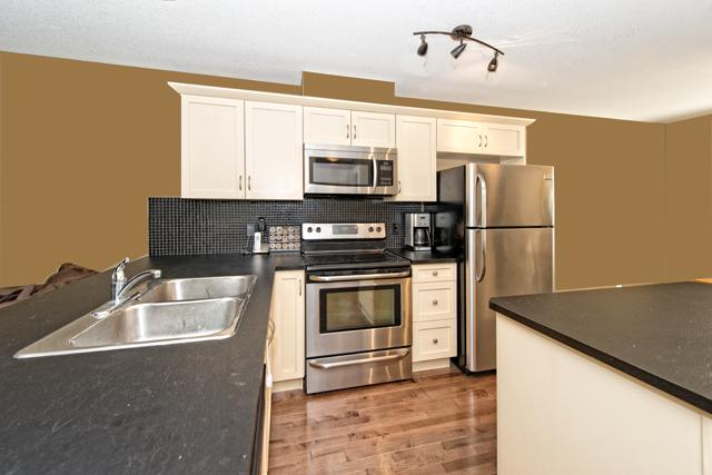 Photo 5: 233 Rainbow Falls MANOR: Chestermere Townhouse  : MLS(r) # C3636613