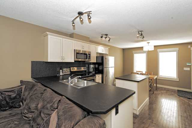 Photo 4: 233 Rainbow Falls MANOR: Chestermere Townhouse  : MLS(r) # C3636613