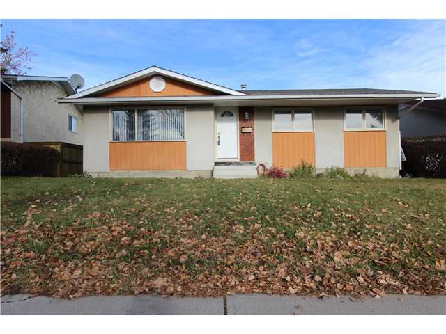 Main Photo: 5212 5 Avenue SE in Calgary: Forest Heights Residential Detached Single Family for sale : MLS® # C3642788