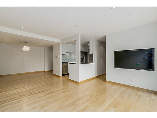 "Photo 8: 410 1500 PENDRELL Street in Vancouver: West End VW Condo for sale in ""PENDRELL MEWS"" (Vancouver West)  : MLS® # V1134010"