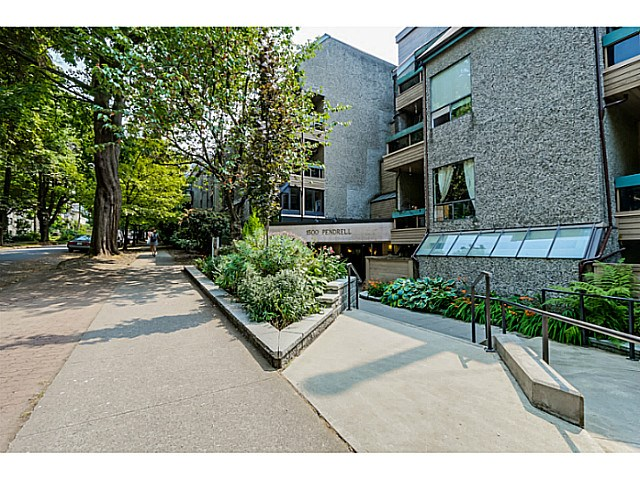 "Photo 2: 410 1500 PENDRELL Street in Vancouver: West End VW Condo for sale in ""PENDRELL MEWS"" (Vancouver West)  : MLS® # V1134010"
