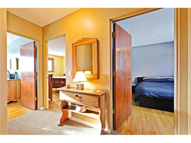 Photo 10: 5924 LEWIS Drive SW in Calgary: Lakeview House for sale : MLS® # C4040273