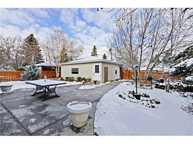 Photo 25: 5924 LEWIS Drive SW in Calgary: Lakeview House for sale : MLS® # C4040273