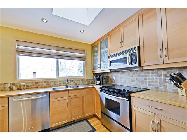 Photo 4: 5924 LEWIS Drive SW in Calgary: Lakeview House for sale : MLS® # C4040273