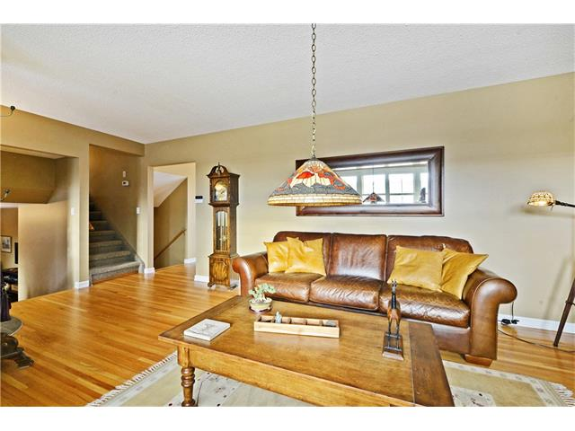Photo 8: 5924 LEWIS Drive SW in Calgary: Lakeview House for sale : MLS® # C4040273