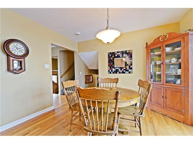 Photo 7: 5924 LEWIS Drive SW in Calgary: Lakeview House for sale : MLS® # C4040273
