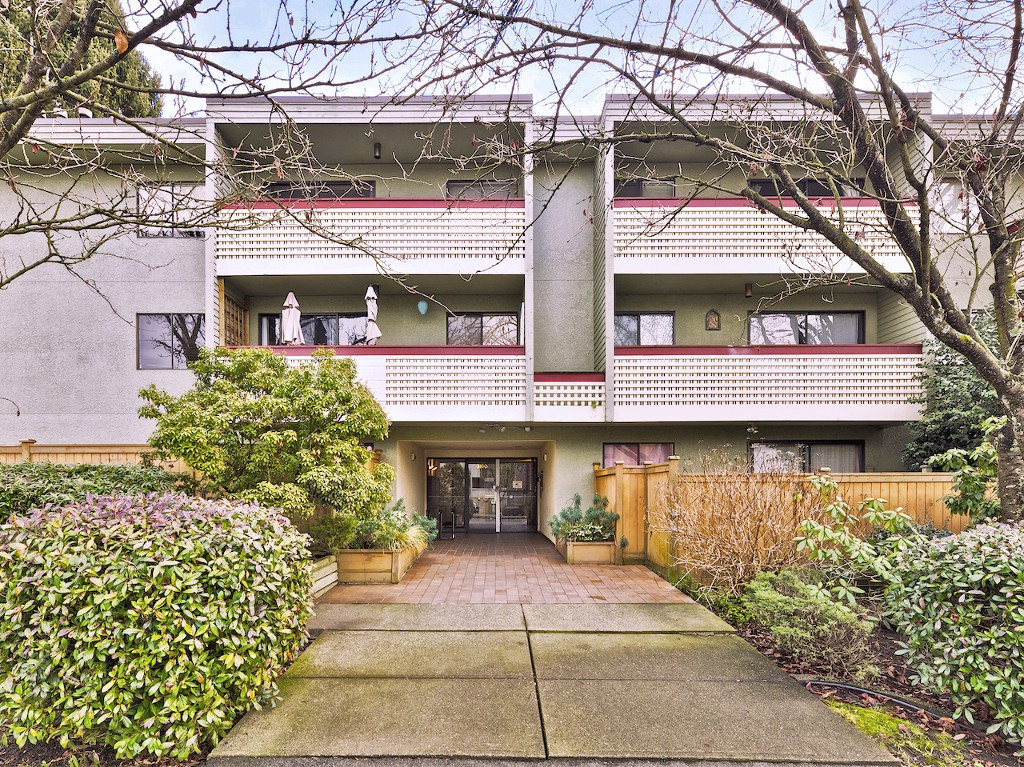 "Main Photo: 201 3150 PRINCE EDWARD Street in Vancouver: Mount Pleasant VE Condo for sale in ""Prince Edward Place"" (Vancouver East)  : MLS® # R2023765"