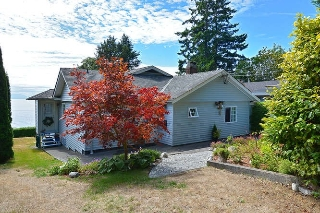 Main Photo: 2739 LOWER Road: Roberts Creek House for sale (Sunshine Coast)  : MLS® # R2028833