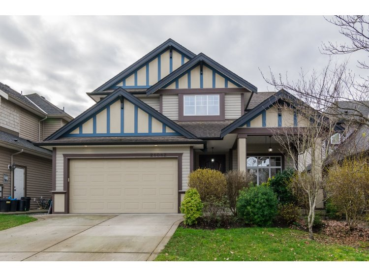 Main Photo: 21082 83B Avenue in Langley: Willoughby Heights House for sale : MLS® # R2038203