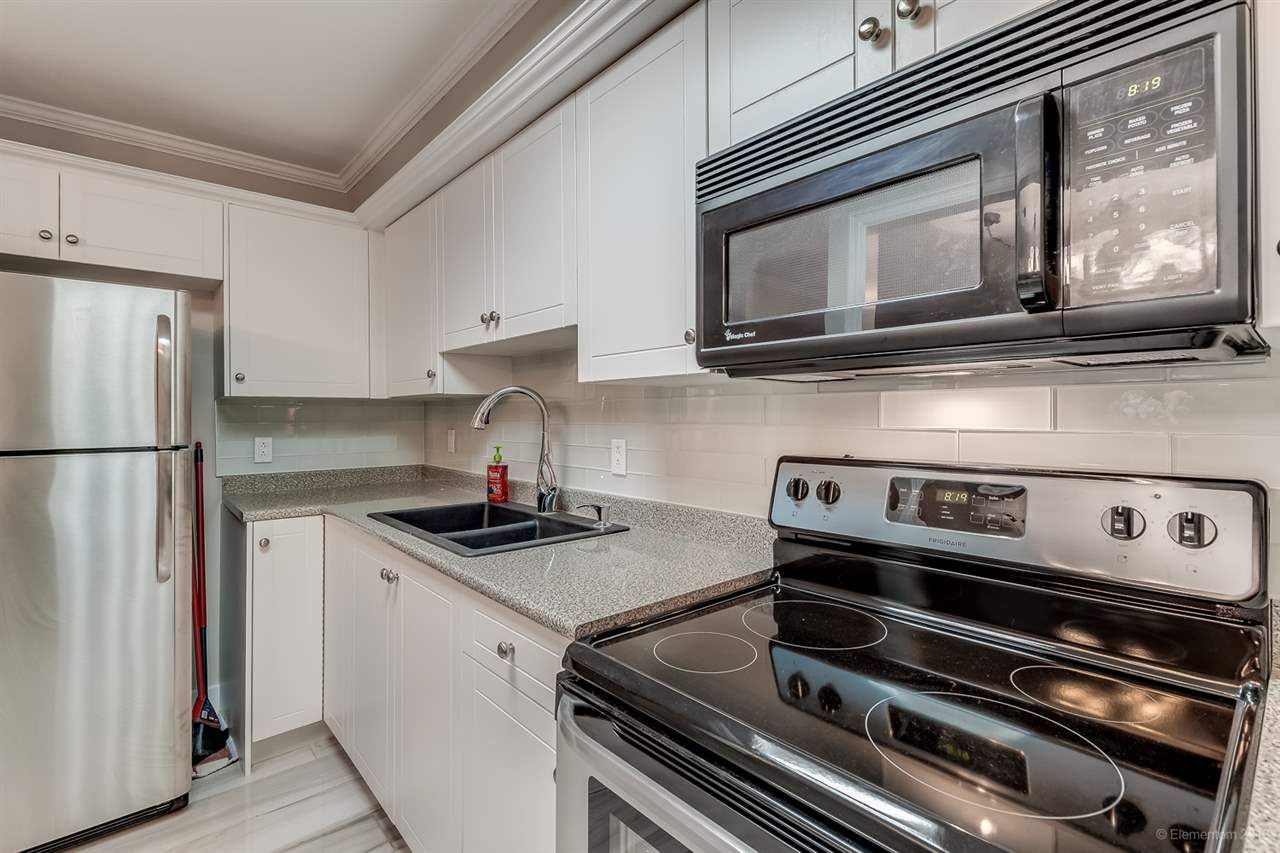 "Main Photo: 115 707 EIGHTH Street in New Westminster: Uptown NW Condo for sale in ""The Diplomat"" : MLS® # R2102558"