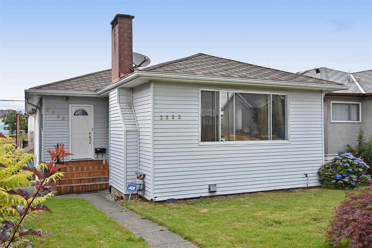 Main Photo: 3323 NAPIER Street in Vancouver: Renfrew VE House for sale (Vancouver East)  : MLS(r) # R2109951