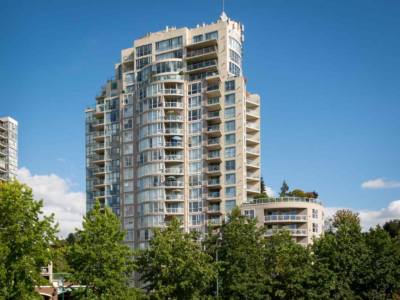 "Main Photo: 1504 200 NEWPORT Drive in Port Moody: North Shore Pt Moody Condo for sale in ""THE ELGIN"" : MLS(r) # R2120289"