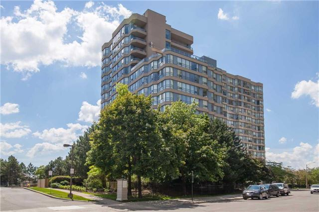 Main Photo: 419 250 Webb Drive in Mississauga: City Centre Condo for sale : MLS® # W3729163
