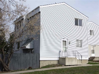 Main Photo: 81 MCLEOD Place in Edmonton: Zone 02 Townhouse for sale : MLS(r) # E4059655