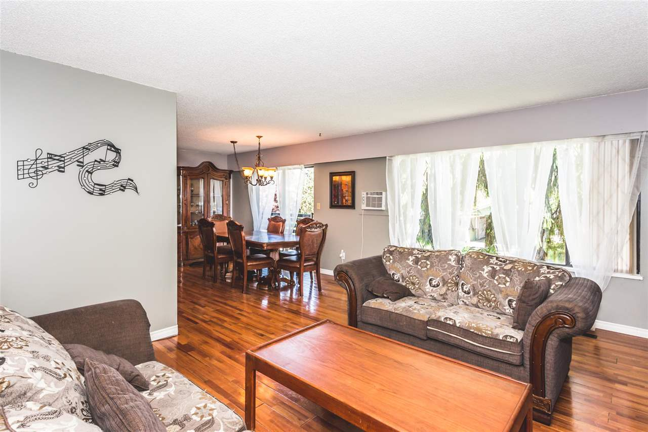 Photo 3: 2821 ST. CATHERINE Street in Port Coquitlam: Glenwood PQ House for sale : MLS(r) # R2170295