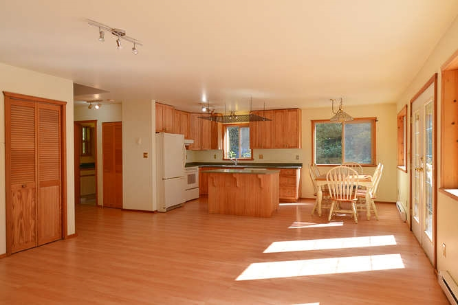 Photo 4: Photos: 908/930 BYNG Road: Roberts Creek House for sale (Sunshine Coast)  : MLS®# R2173400