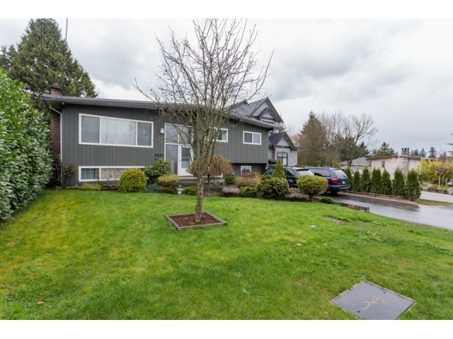 Main Photo: 9939 124TH Street in North Surrey: Home for sale : MLS® # F1435702