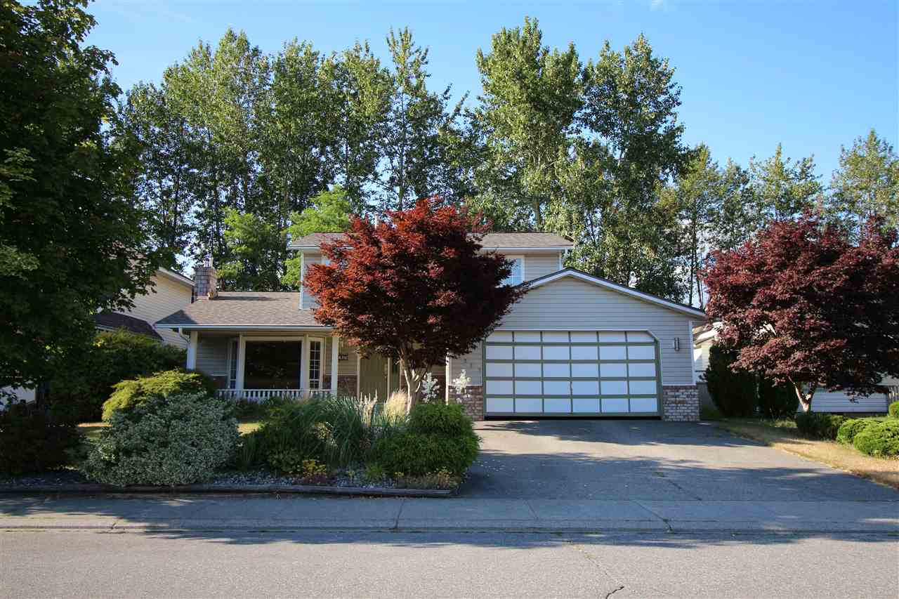 "Main Photo: 32267 CLINTON Avenue in Abbotsford: Abbotsford West House for sale in ""FAIRFIELD ESTATES"" : MLS® # R2188538"