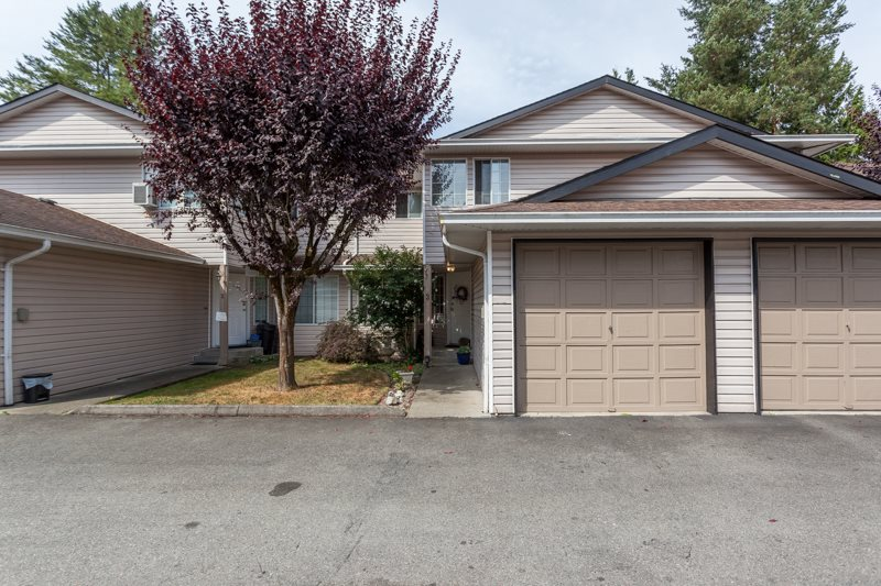 "Main Photo: 3 21541 MAYO Place in Maple Ridge: West Central Townhouse for sale in ""MAYO PLACE"" : MLS® # R2197360"