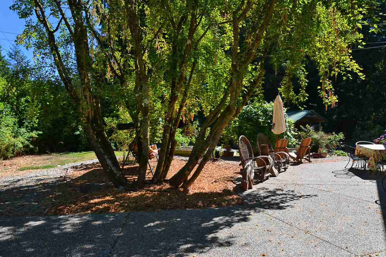 Photo 18: 1125 ROBERTS CREEK Road: Roberts Creek House for sale (Sunshine Coast)  : MLS® # R2200630