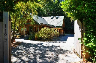 Main Photo: 1125 ROBERTS CREEK Road: Roberts Creek House for sale (Sunshine Coast)  : MLS® # R2200630