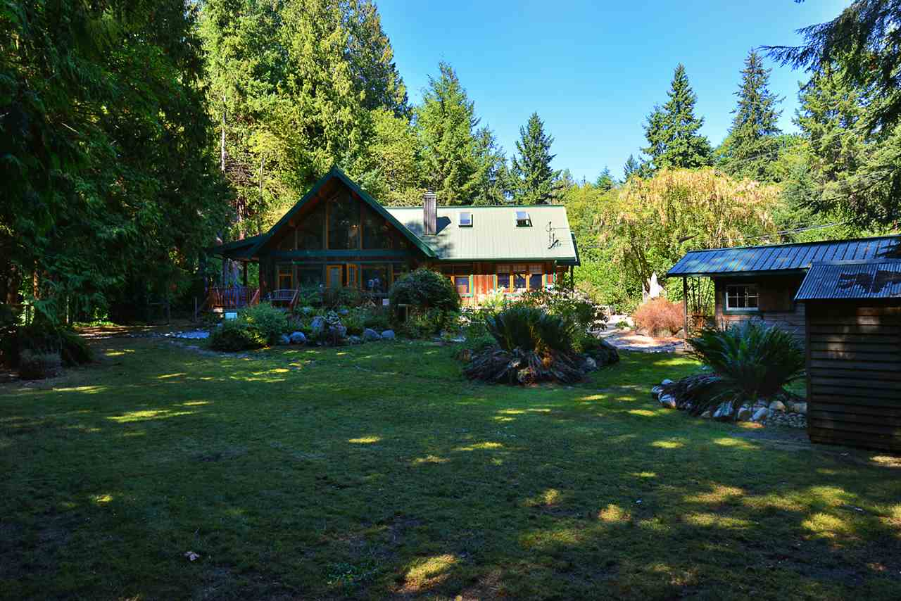 Photo 2: 1125 ROBERTS CREEK Road: Roberts Creek House for sale (Sunshine Coast)  : MLS® # R2200630