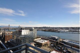 "Main Photo: 2303 888 CARNARVON Street in New Westminster: Downtown NW Condo for sale in ""MARINUS"" : MLS® # R2241042"