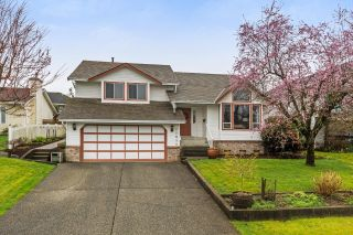 "Main Photo: 22934 REID Avenue in Maple Ridge: East Central House for sale in ""REID AVE"" : MLS®# R2257430"