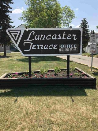 Main Photo: 51 Lancaster Terrace in Edmonton: Zone 27 Townhouse for sale : MLS®# E4115582