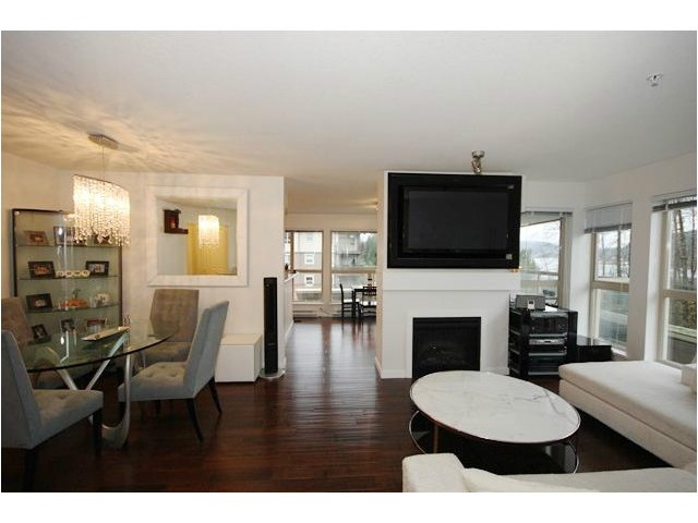 Main Photo: 304 801 KLAHANIE Drive in Port Moody: Port Moody Centre Condo for sale : MLS® # V980794