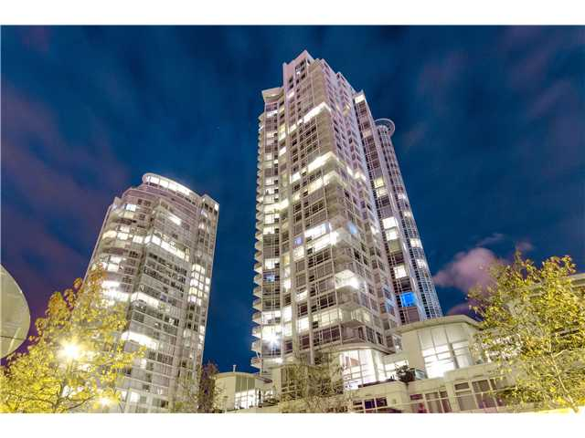 "Main Photo: # 3002 1199 MARINASIDE CR in Vancouver: Yaletown Condo for sale in ""Aquarius Mews"" (Vancouver West)  : MLS® # V1029094"