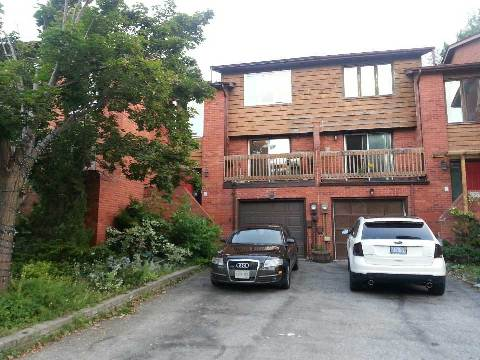 Main Photo: 1270 Cornerbrook Place in Mississauga: Erindale House (3-Storey) for lease : MLS(r) # W3013919