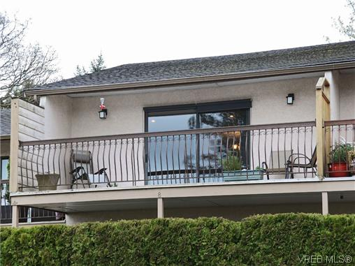 Main Photo: 8 864 Swan Street in VICTORIA: SE Swan Lake Townhouse for sale (Saanich East)  : MLS® # 348495