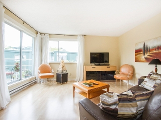 "Main Photo: 303 1540 MARINER Walk in Vancouver: False Creek Condo for sale in ""MARINER POINT"" (Vancouver West)  : MLS® # V1121673"
