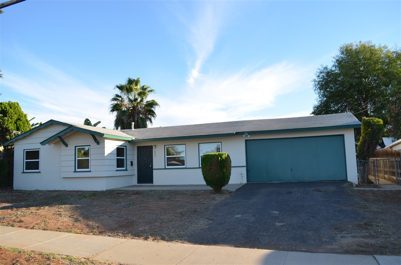 Main Photo: EL CAJON House for sale : 3 bedrooms : 1609 E Lexington