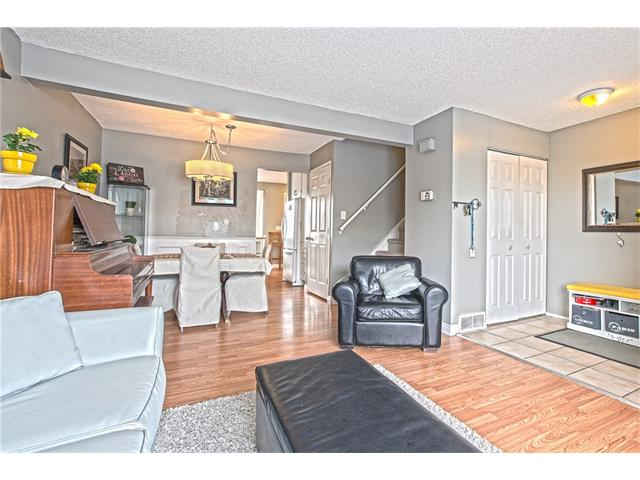 Photo 6: 22 75 ERIN CROFT Crescent SE in Calgary: Erin Woods House for sale : MLS(r) # C4047110