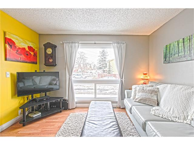 Photo 7: 22 75 ERIN CROFT Crescent SE in Calgary: Erin Woods House for sale : MLS(r) # C4047110