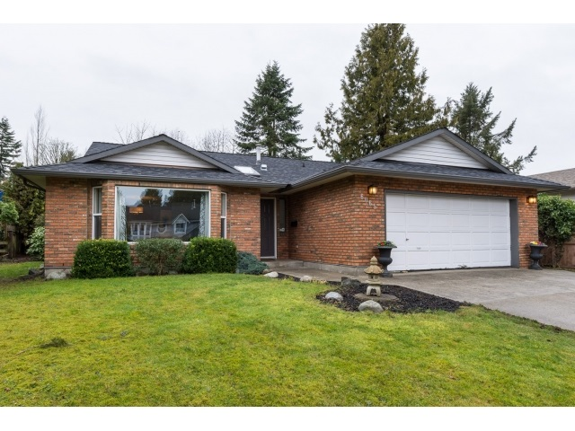 Main Photo: 6065 172B Street in Surrey: Cloverdale BC House for sale (Cloverdale)  : MLS®# R2032297