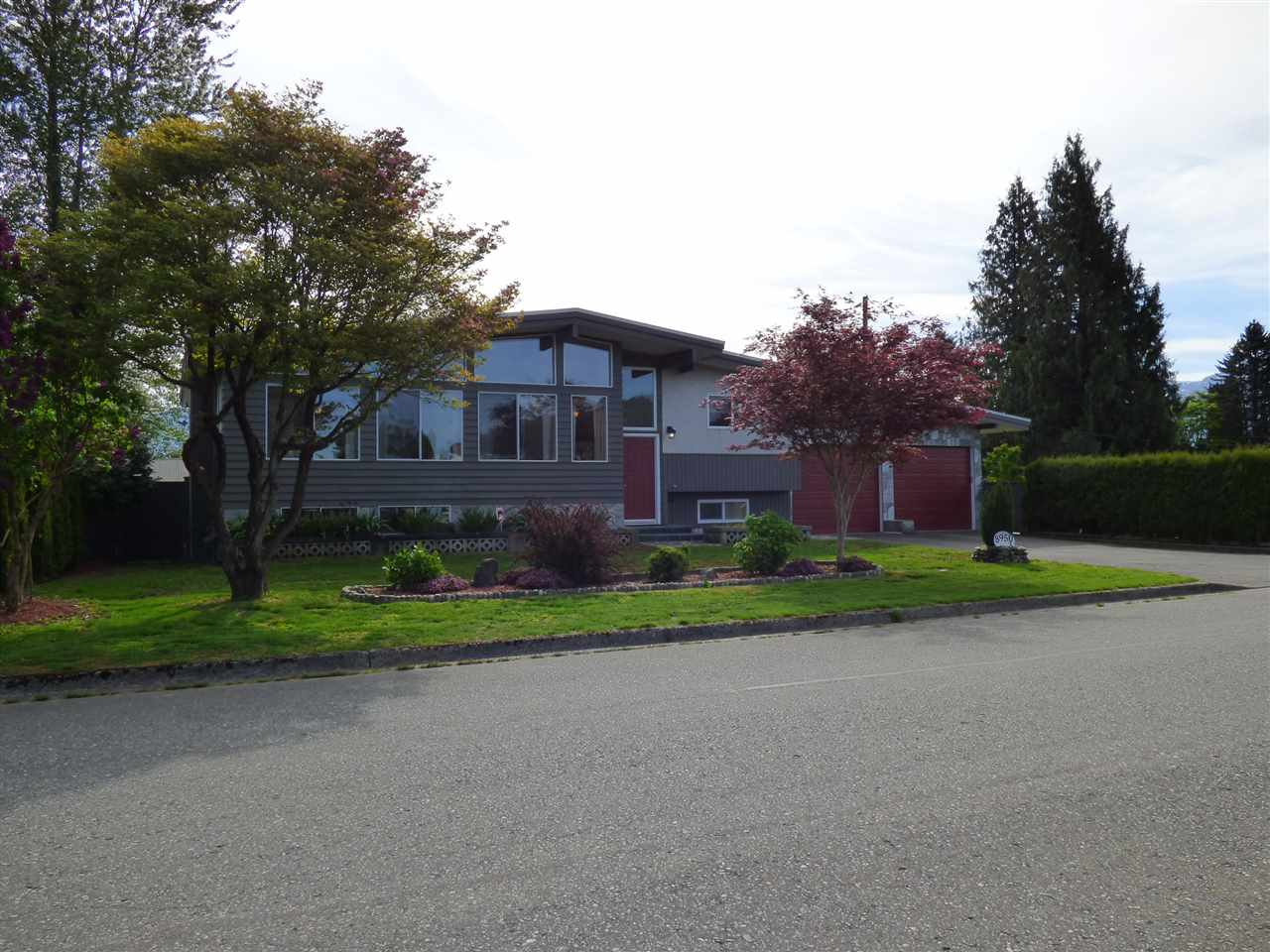 Main Photo: 8950 VINES Street in Chilliwack: Chilliwack W Young-Well House for sale : MLS® # R2060547