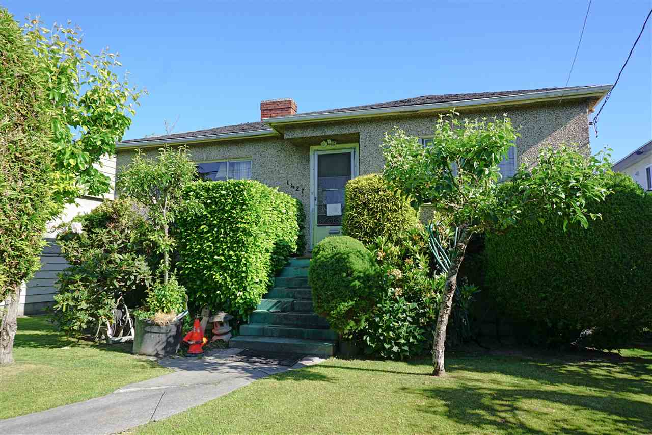 Photo 5: 1427 E 27TH Avenue in Vancouver: Knight Home for sale (Vancouver East)  : MLS® # R2069557
