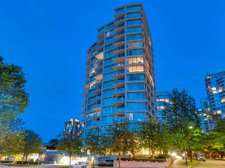 "Main Photo: PH1 1777 BAYSHORE Drive in Vancouver: Coal Harbour Condo for sale in ""BAYSHORE GARDENS TOWER 3"" (Vancouver West)  : MLS(r) # R2069728"